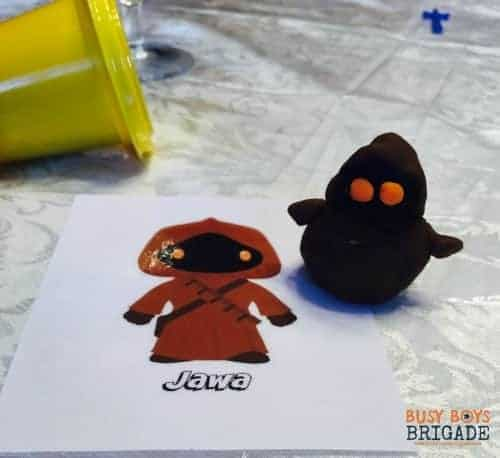 Check out these 20 free Star Wars cards for playdough fun & more! Great for story, writing, and art prompts.