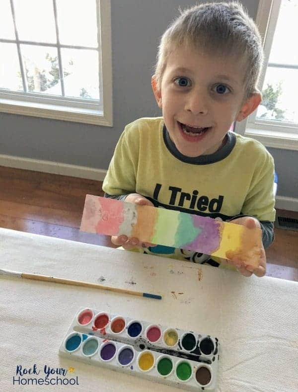 Even your young learners can enjoy these fun & affordable homeschool art classes.