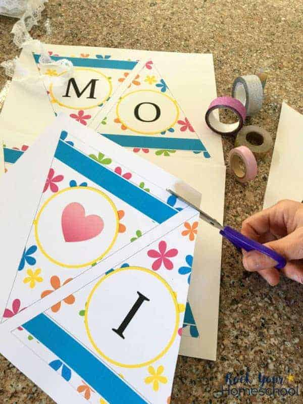 These Mother's Day banners are easy to make & special ways to decorate for poetry teatime.